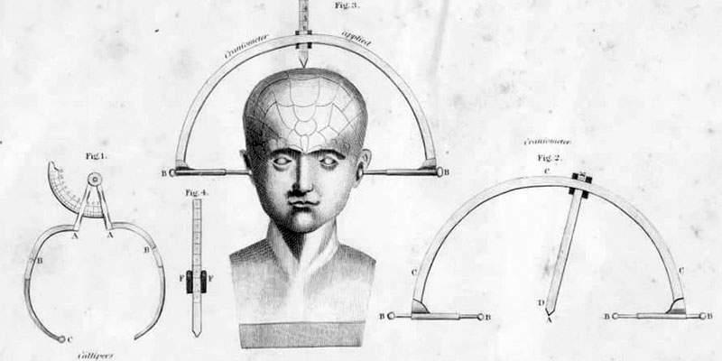 الأدوات المستخدمة لقياس الرأس في الفرينولوجيا اوائل القرن 19